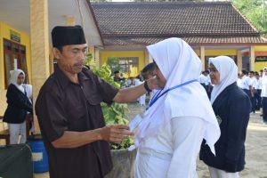 IPNU & IPPNU Sambut Matsama Hari Pertama Masuk MTs NU Mambaul Ulum