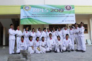 SMK Wachid Hasyim 2 Surabaya Kenalkan Lingkungan Sekolah
