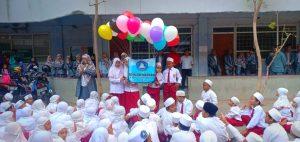 SD Islam Maryam Surabaya Terbangkan Balon Untuk Raih Cita-Cita