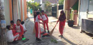 Madrasah Tengah Kota Peduli Kebersihan Lingkungan